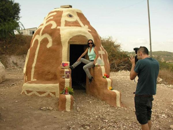סדנא לבנייה באדמה לפי שיטה איראנית עתיקה
