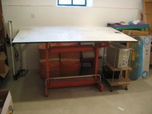 שולחן שרטוט למכיררה